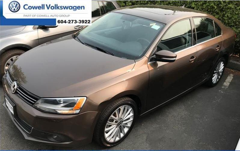Pre-Owned 2011 Volkswagen Jetta 2.0 TDI Highline