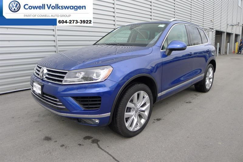Pre-Owned 2016 Volkswagen Touareg 3.6L Execline